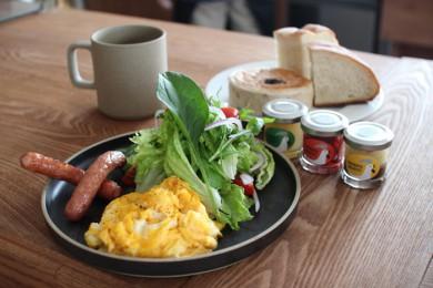 breakfast1-390x260.jpg
